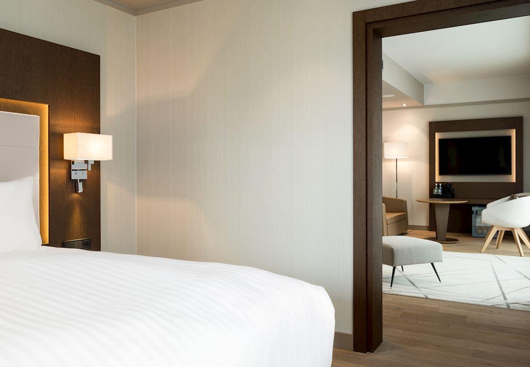 AC_WROAR_guestroom_22